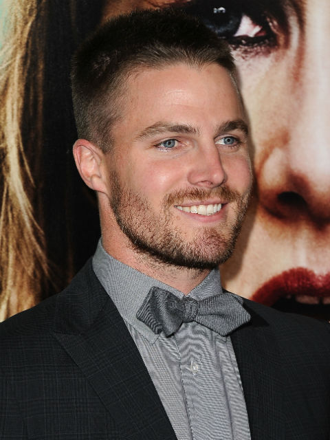 Stephen Amell, 'Hung'